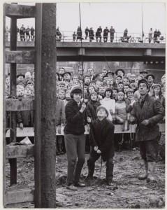 eerste paal zwembad nov 1964